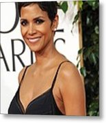 Halle Berry At Arrivals For The Metal Print by Everett