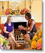 Michelle Obama Has Tea With Sara Metal Print by Everett