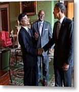 President Obama Talks With Commerce Metal Print by Everett