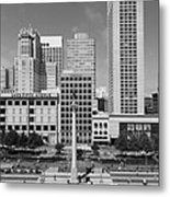 San Francisco - Union Square - 5d17941 - Black And White Metal Print by Wingsdomain Art and Photography