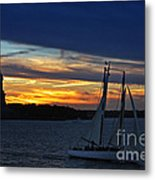 Statue Of Liberty At Sunset Metal Print by Nishanth Gopinathan