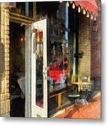 Tea Room In Sono Norwalk Ct Metal Print by Susan Savad