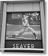 Tom Seaver 41 In Black And White Metal Print by Rob Hans