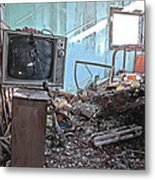 Tv On Stand Metal Print by James Steele