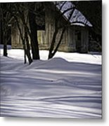 Winter Barn Metal Print by Rob Travis