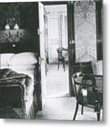 Parlour Suite Of Titanic Ship Metal Print by Photo Researchers