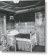 Parlour Suite Of Titanic Ship Metal Print by Photo Researchers