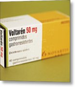 Diclofenac Painkiller Tablets Metal Print by Cristina Pedrazzini