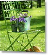 Green Garden Chair Metal Print by Sandra Cunningham