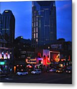 On Broadway In Nashville Metal Print by Susanne Van Hulst