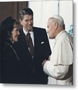 President And Nancy Reagan Meeting Metal Print by Everett