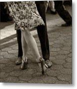 Tango In The Park Metal Print by Leslie Leda
