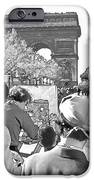 Arc De Triomphe Painter - B W IPhone Case by Chuck Staley