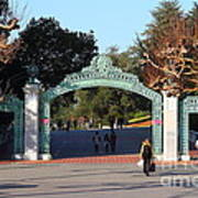 Uc Berkeley . Sproul Plaza . Sather Gate . 7d10020 Poster by Wingsdomain Art and Photography