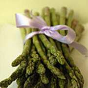 Asparagus With Purple Ribbon Print by Beverly Brown