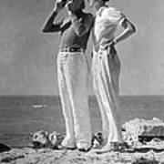 Couple On The Maine Shore Print by Underwood Archives