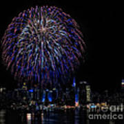 Fireworks In New York City Print by Susan Candelario