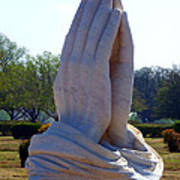 Praying Hands Statue Print by David G Paul