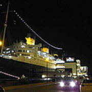Queen Mary - 12127 Print by DC Photographer