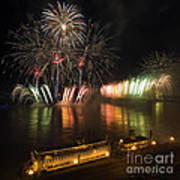 Thunder Over Louisville - D008432 Print by Daniel Dempster