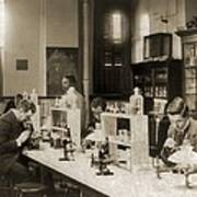 Class In Bacteriology At Howard Print by Everett