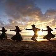 Five Hula Dancers At The Beach At Palauea Print by David Olsen