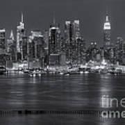 Manhattan Twilight Vii Print by Clarence Holmes