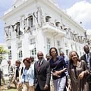 Michelle Obama And Jill Biden Tour Print by Everett