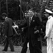 President Reagan Gestures To Members Print by Everett