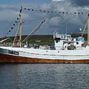 Sf-5-nv Visiting Shetland Print by George Leask