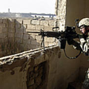U.s. Army Soldier Searching Print by Stocktrek Images