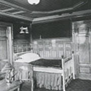 Parlour Suite Of Titanic Ship Print by Photo Researchers