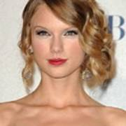 Taylor Swift In The Press Room Print by Everett
