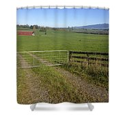 Old Barn  Shower Curtain by Les Cunliffe