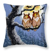 Hooty Whos There Throw Pillow by Richard De Wolfe