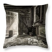 Inside Leo's Apple Barn - The Old Television In The Apple Barn Throw Pillow by Gary Heller