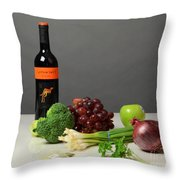 Foods Rich In Quercetin Throw Pillow by Photo Researchers, Inc.