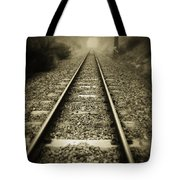 Railway tracks Tote Bag by Les Cunliffe