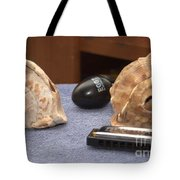 De Conch Shell Tote Bag by William  James