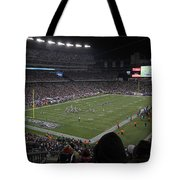 Nfl Patriots And Tom Brady Showtime Tote Bag by Juergen Roth