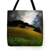Wilbur The Pig Goes Home - 5D21059 Tote Bag by Wingsdomain Art and Photography