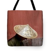 A Nod To Beijing Tote Bag by Glennis Siverson