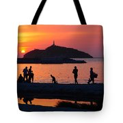 Fin De Semana Tote Bag by Skip Hunt