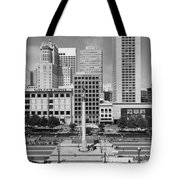 San Francisco - Union Square - 5D17938 - black and white Tote Bag by Wingsdomain Art and Photography