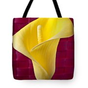 Yellow Calla Lily Red Mat Tote Bag by Garry Gay