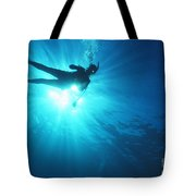Diver On Mahi Wreck Tote Bag by Bob Abraham - Printscapes