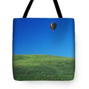 Hot Air Balloon In Hawaii Tote Bag by Peter French - Printscapes