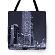 Marina City On The Chicago River In B And W Tote Bag by Steve Gadomski