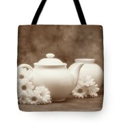 Teapot With Daisies I Tote Bag by Tom Mc Nemar