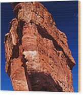 Balanced Rock At Garden Of The Gods With Moon Wood Print by John Hoffman